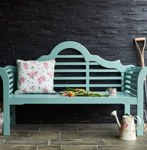 How to choose seating for your garden